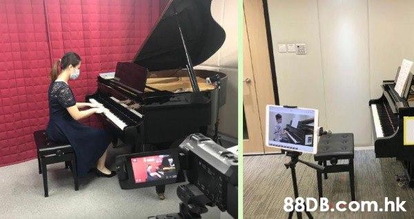 試堂$50,「專業英國音樂系鋼琴導師」和 「專業陪練」英國音樂系榮譽學士,二十年經驗演奏級女導師,專業陪練, 有愛心,責任心。 提供專業優質的視像教學,為你設計一套進度計劃(依照您的需要及要求)