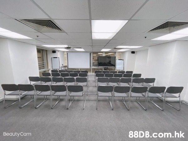 24小時尖沙咀場地租用,可容納10 – 80人,適合課室租用,講座室租用,會議室租用 及 課堂培訓等。
